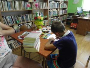WAKACJE w BIBLIOTEKACH w TRZEŚNIOWIE i WZDOWIE