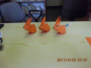 Ozdoby z papieru w bibliotece w Jasionowie